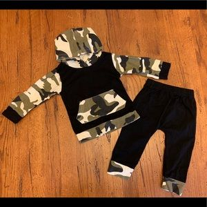 Other - EUC black and camo pant/hoodie set (6-9month)